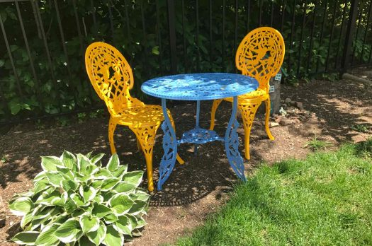 How to Paint a Bistro Set in Bright Yellow and Blue