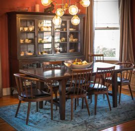 Think Different | A Dining Room in the Victorian Parlor
